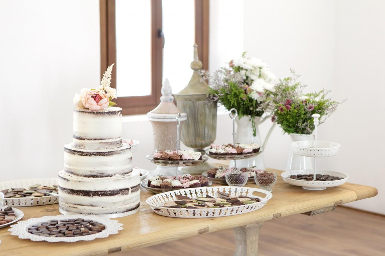 Mesa de tartas y dulces para bodas -