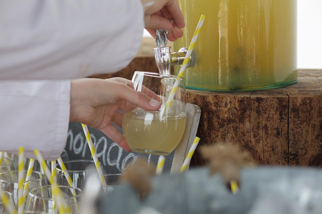 mesa de limonada -