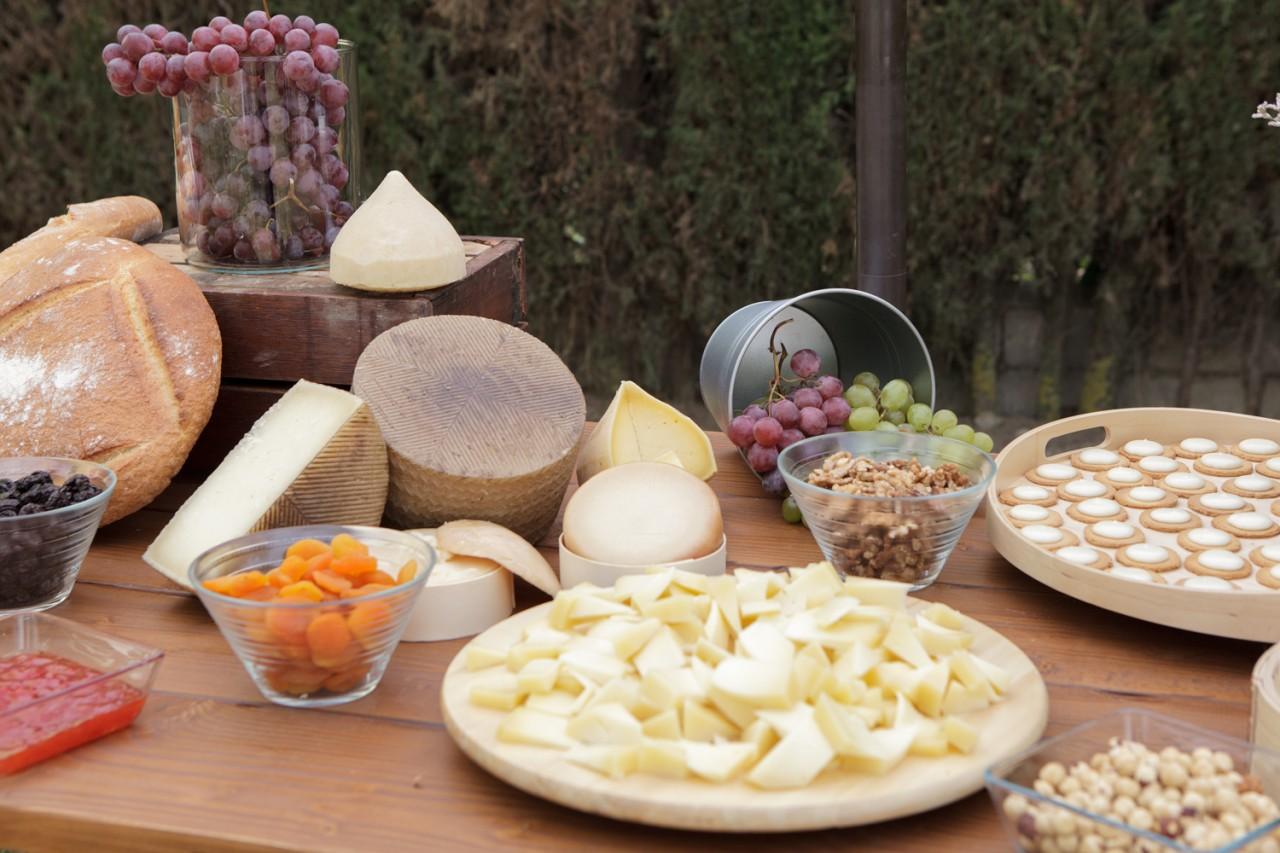 puesto de quesos para bodas -