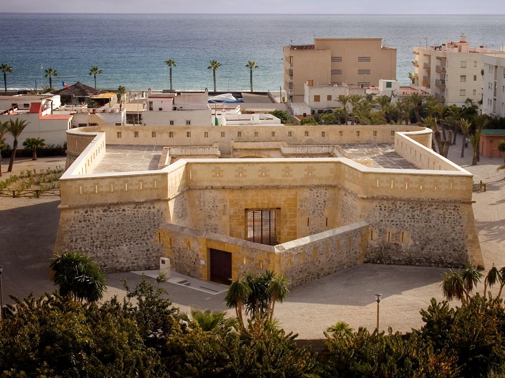 20150107_castillo_h_01 - Fotografía del castillo de la Herradura de Granada