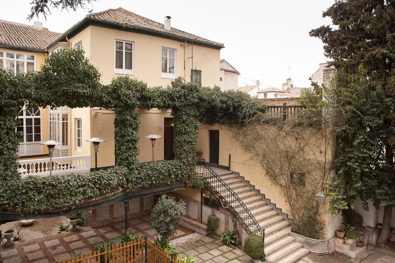 Alameda-Catering_Jardin-de-Gomérez_W1701_15 - Fotografía de la fachada del Jardín de Gomérez de Granada