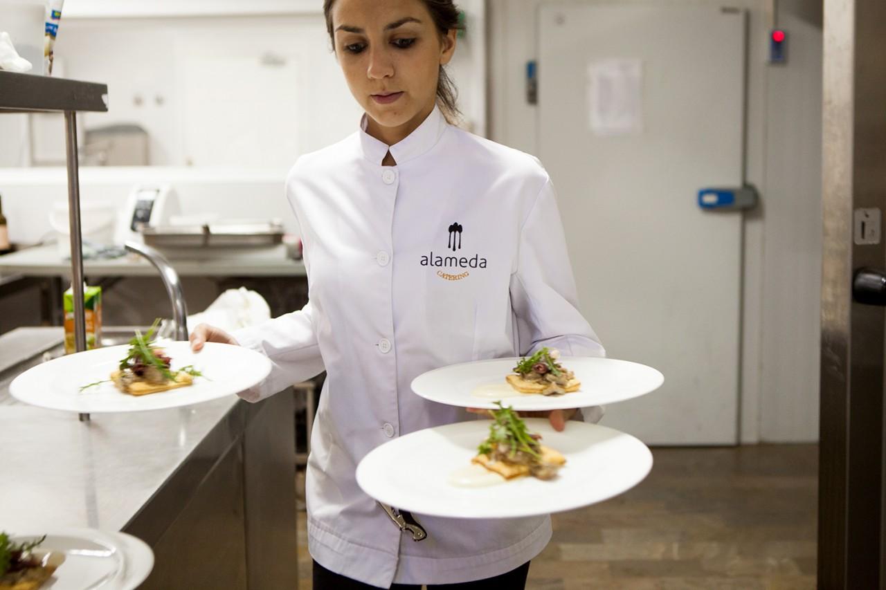 Alameda-Catering_Evento-Abbott_201 - Fotografía de la cena de gala ofrecida para la empresa Abbott en el Cortijo Alameda de Granada