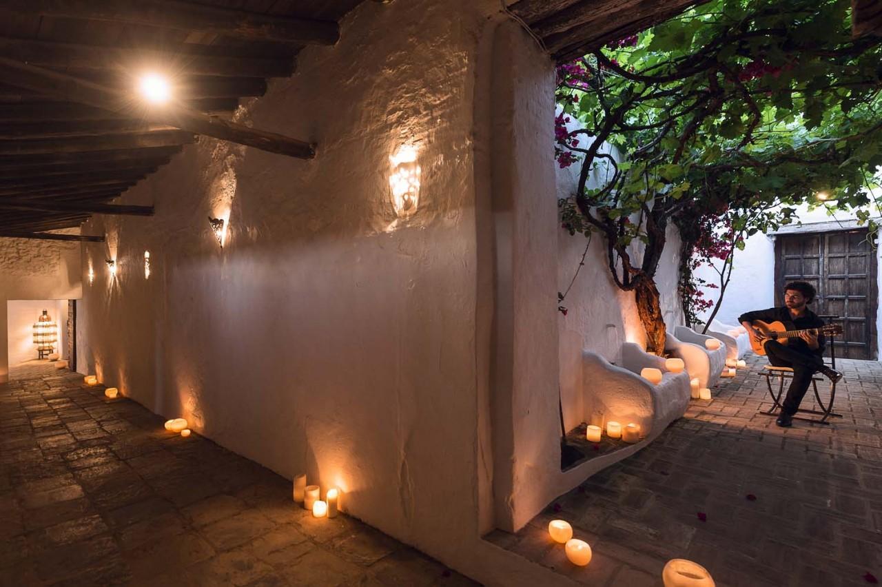 Alameda Catering_Finca Los Ángeles_003 - Fotografía de la finca Los Ángeles. Uno de los espacios singulares del Catering Alameda, donde poder celebrar su boda en Sevilla.